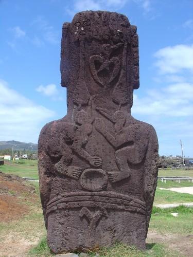 Tangata Manu sur un Moai